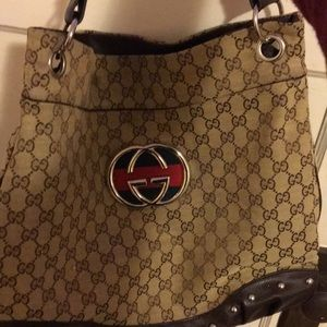 Authintic gucci handbag